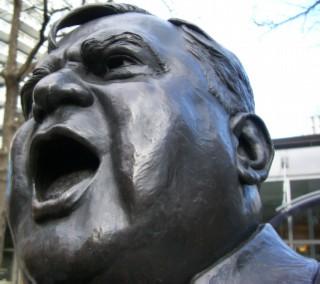 LaGuardia statue 02