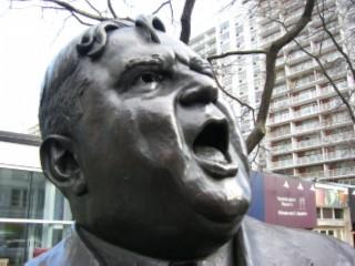 LaGuardia statue 03