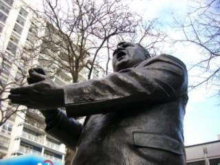 LaGuardia statue 05