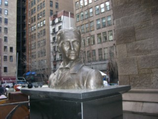 Nikola Tesla bust 02